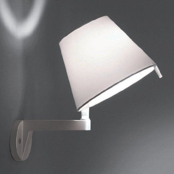 The Melampo parete wall sconce