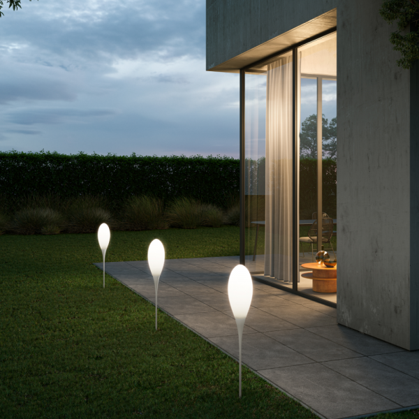 Spillo outdoor floor lamp with ground spike