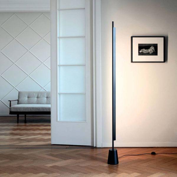 Compendium Floor Lamp in black