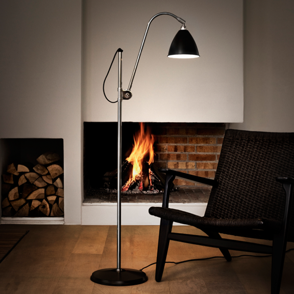 BL3 Floor lamp black in an accomodation example