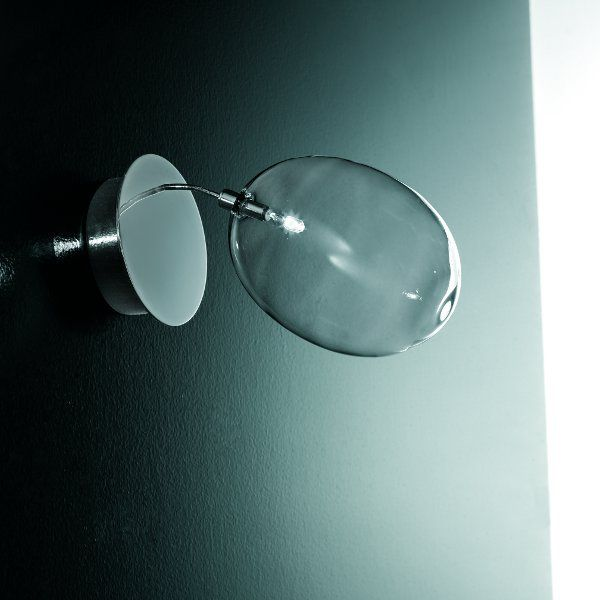 The  Pro Secco A1 wall sconce in detail