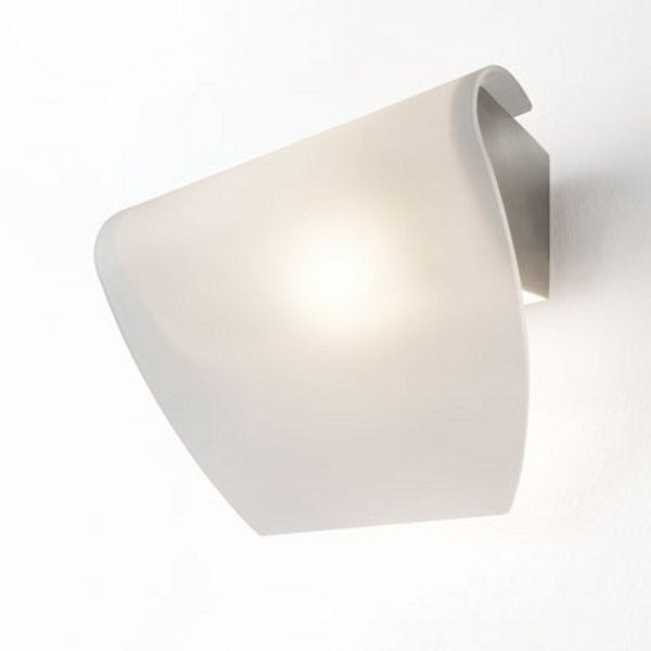 The Maria wall sconce
