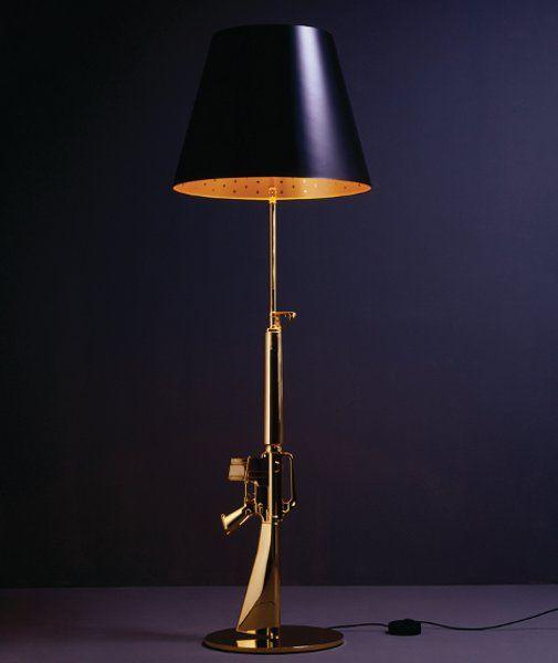 Lounge Gun floor lamp in black/gold