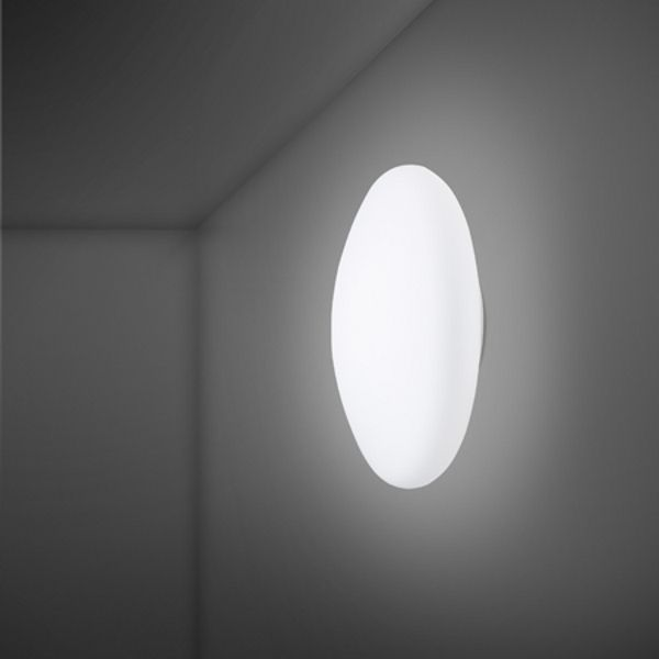Lumi F07 G13 White Wall/Ceiling Light