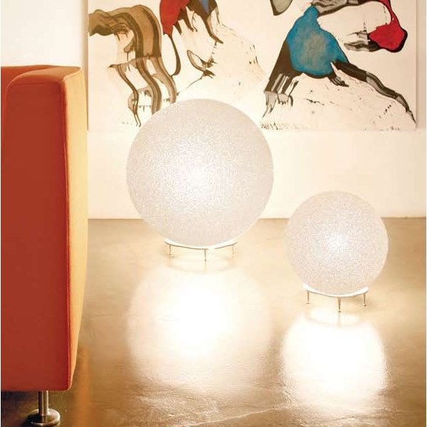 Iceglobe table lamp