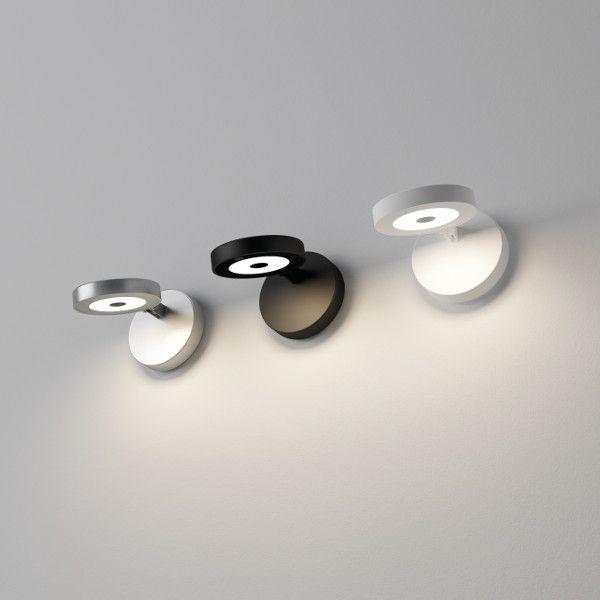 String H0 Wall Light