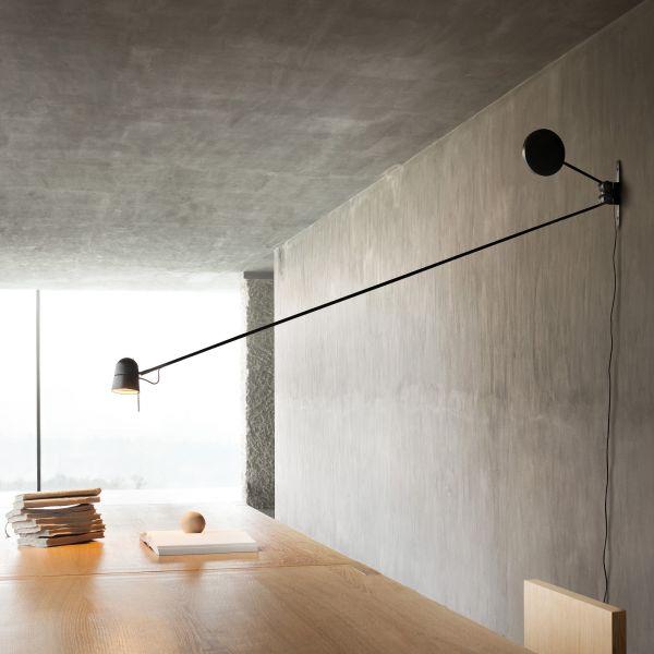 Counterbalance wall light