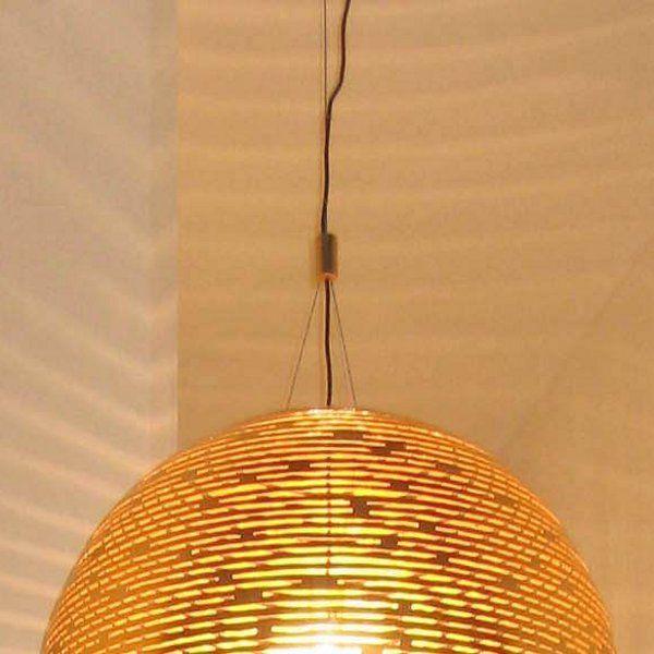 Gold color model of the Magdalena 70 semicircular pendant light