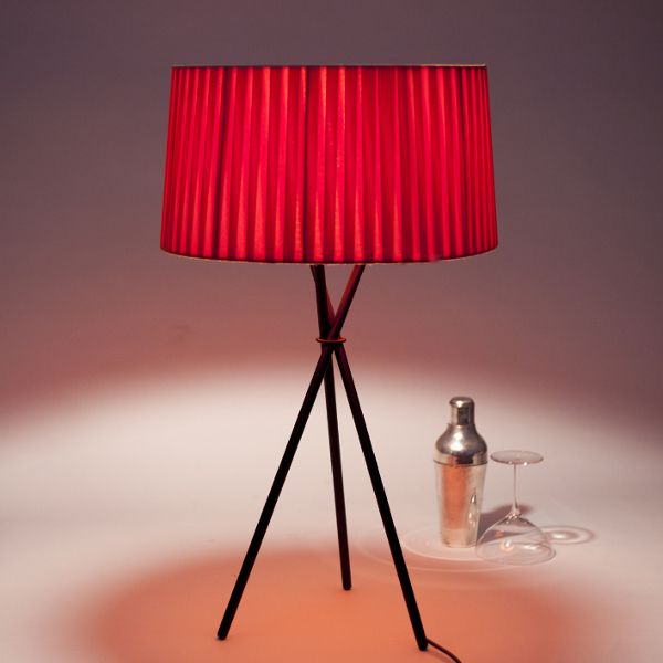 Tripode G6 Table lamp, red