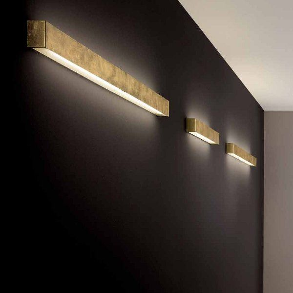 The Box 31 wall sconce