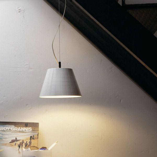 Accommodation example of the Nolita pendant light
