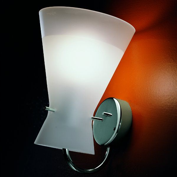 The satined Memory A wall sconce