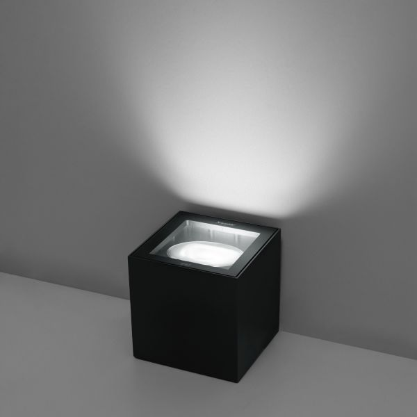 Basolo LED outdoor light