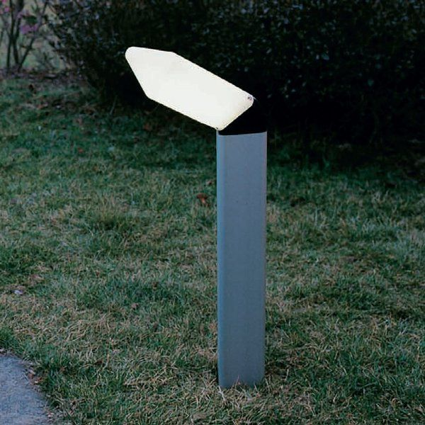 The Teseo bollard outdoor floor light