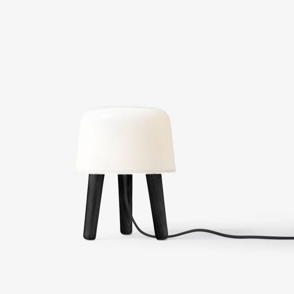 Milk NA1 table light Black Legs