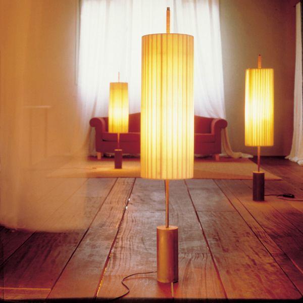 Dorica floor light
